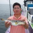 2008.6.25   32cmを釣った山内さん!
