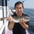 2008.9.12   特大の37cmを釣った向さん!