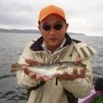 2008.9.21(日)   本日最大34cmを釣った石井さん!