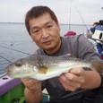 2008.10.5(日) 特大の35cmを釣った竹山さん!