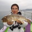 2008.10.25(土) 特大38cm・1.2kgのアカメを釣った岩上さん!