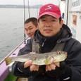 2008.10.25(土) 本日最大31cmを釣った岡部さん!