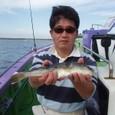 2008.10.29(水) 35cmを釣った山内さん!