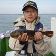 2008.11.6(木) 36cmの特大アカメを釣った谷川さん!