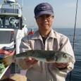 2008.11.7(金) 35cmを釣った志茂さん!