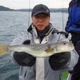 2008.11.10(月) 本日最大35cmを釣った宮田さん!