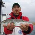 2008.11.15(土) 35cmを釣った稲場さん!