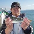 2008.11.30(日) 良型を釣った山本さん!