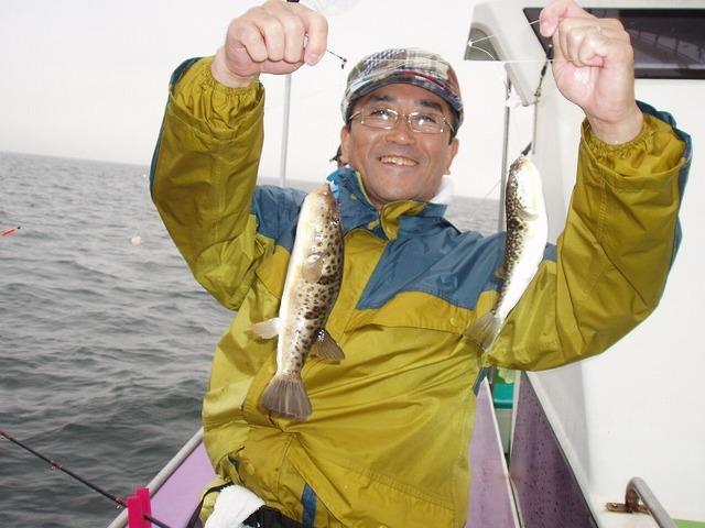 2009.5.30(土) ダブルで釣った上村さん!