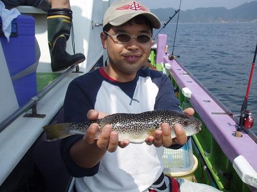 2008.9.6   本日最大33cmを釣った斉藤さん!