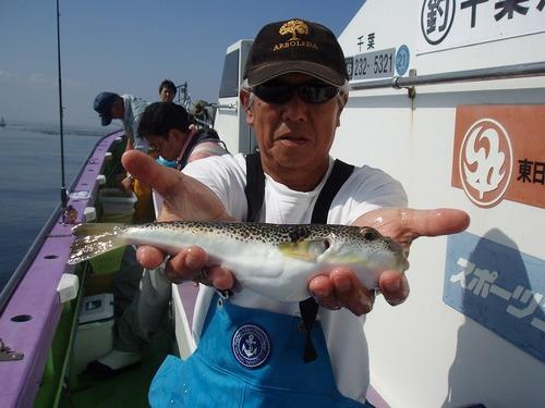 2008.10.4(土) 良型を釣った本村さん!