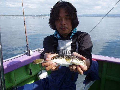 2008.10.4(土) 良型を釣った鈴木さん!