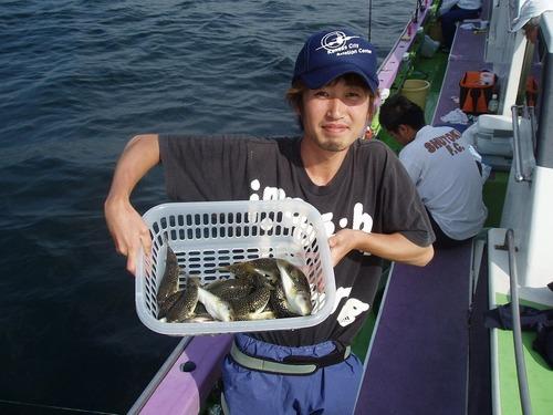 2008.10.7(火) 初挑戦で18匹釣った千葉さん!