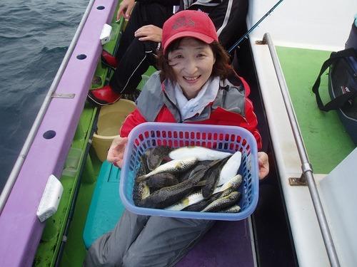 2008.10.9(木) 19匹釣り健闘した荒井敏江さん!
