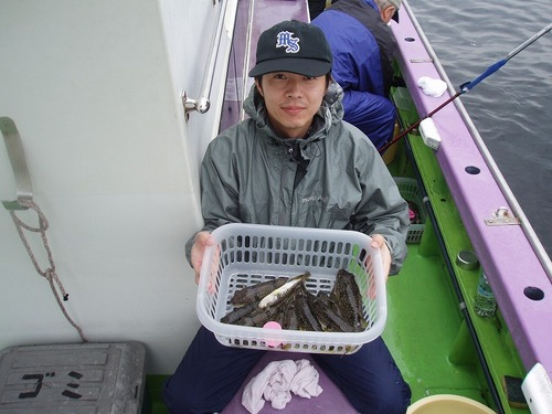 2008.10.11(土) 初挑戦で13匹釣った水落さん!