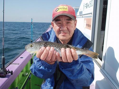2008.10.16(木) 本日最大32cmを釣った小田切さん!