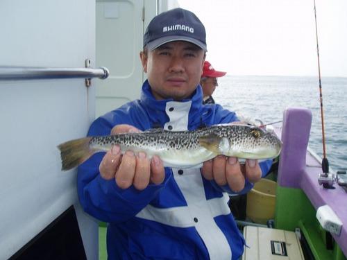 2008.10.20(月) 本日最大34cmを釣った青山さん!