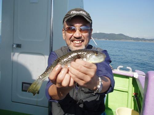 2008.10.28(火) 本日最大を含む27匹を釣った小倉さん!