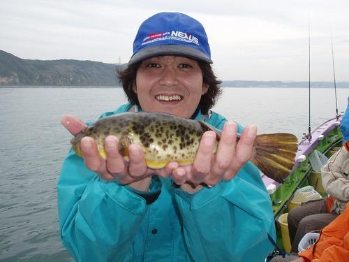 2008.11.2(日) 良型アカメを釣った市川さん!