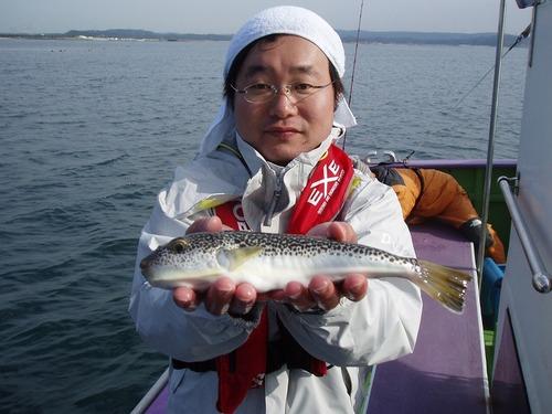2008.11.4(火) 30cmを釣った植草さん!