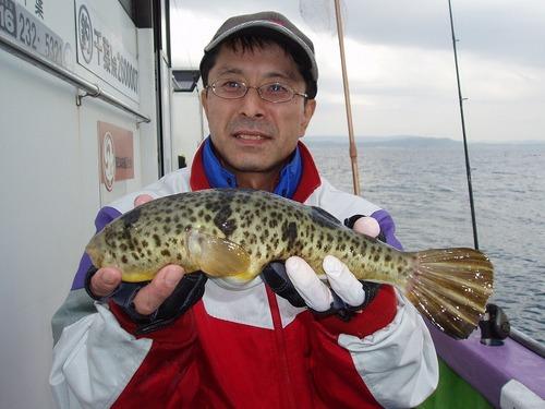 2008.11.5(水) 35cmのアカメを釣った日ノ沢さん!