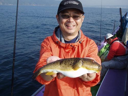 2008.11.7(金) 32cmのアカメを釣った中村さん!