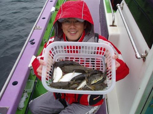 2008.11.8(土) 初挑戦で14匹釣った高城さん!