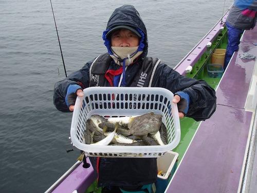 2008.11.8(土) 初挑戦で16匹釣った二見さん!