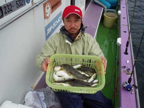 2008.11.10(月) 初挑戦で18匹釣った島田さん!