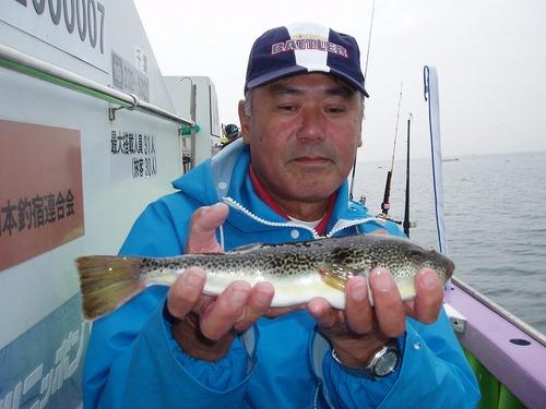 2008.11.15(土) 32cmを釣った佐野さん!