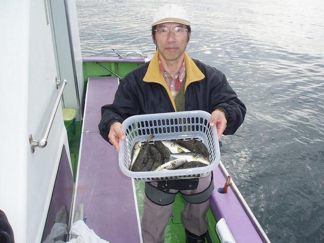 2009.11.27(金) 初挑戦で竿頭・13匹・土田さん!