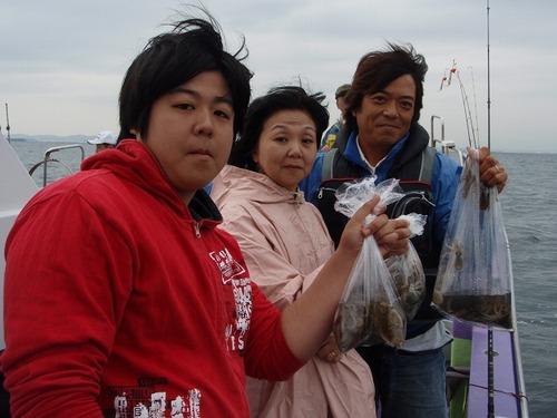 2008.9.28(日) ファミリーで63杯釣った伊藤さん!