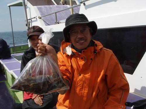 2008.10.3(金) 初挑戦で31杯釣った鍋島さん!
