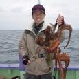 4/26(土)特大の2.6kgを釣った栗原千恵さん!