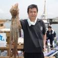 2008.6.7    特大の2.8kgを釣った小島さん!