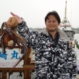 2008.6.8   特大の2.7kgを釣った小久保さん!