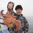 2008.7.6   2.6kgを釣った菊池さん!