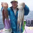 2008.7.11   2.6kgと2.0kgを釣った白石さん!