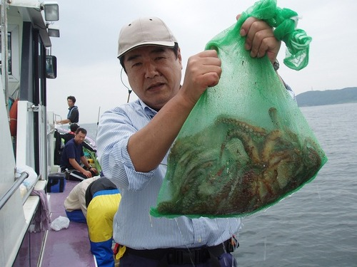 2008.7.10   10杯を釣った斉藤さん!