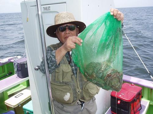 2008.7.11   7杯釣った山本さん!