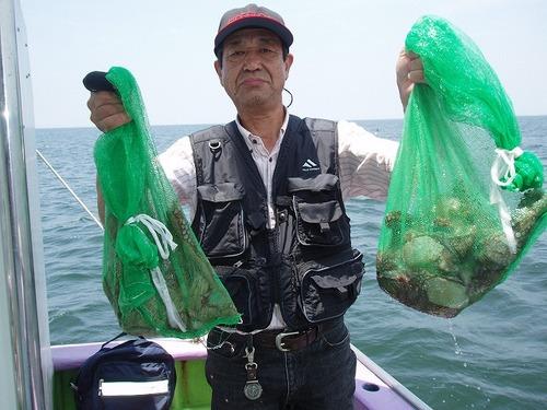 2008.7.17   2番手・2kgを含む8杯釣った豊野さん!