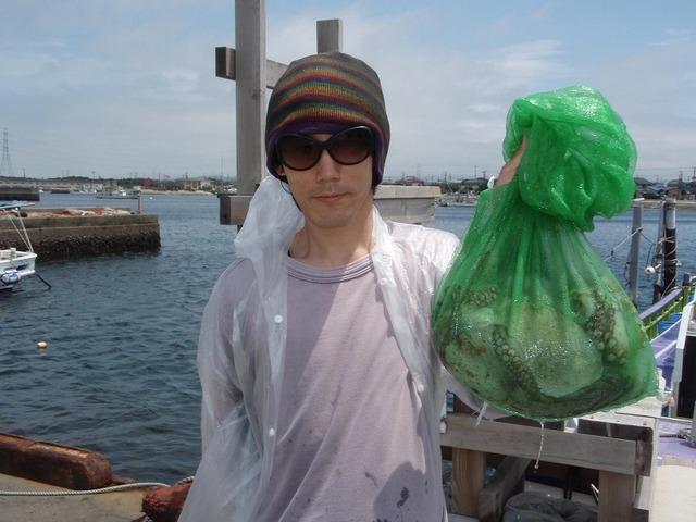 2009.7.25(土) 初挑戦で良型3杯・岩木さん!