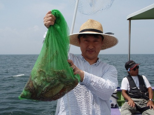 2008.8.2   初挑戦で8杯釣った佐藤さん!