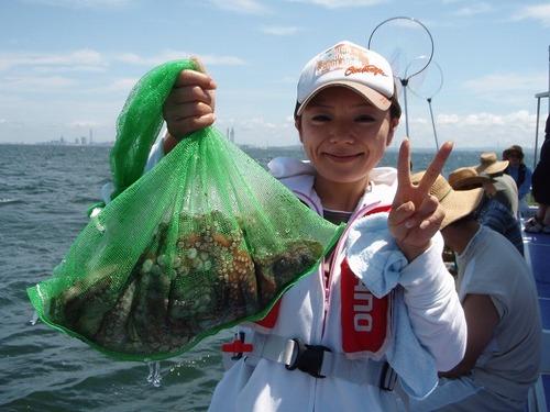 2008.8.14   4杯釣って健闘した渋谷知詠子さん!