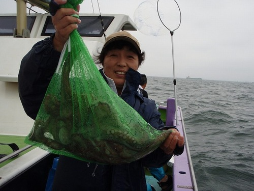 2008.8.17   6杯釣り健闘した中山礼子さん!