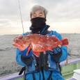 2009.1.7(水) 47cmのカンコを釣った亀田さん!