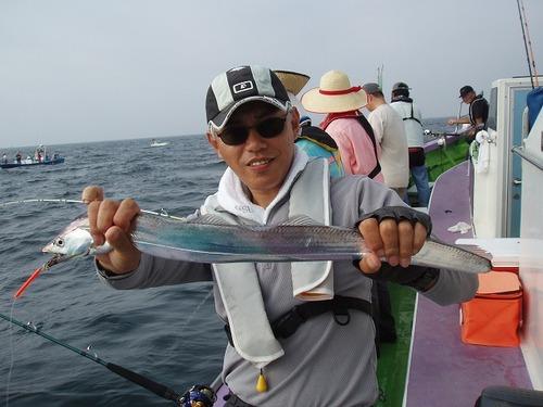 2008.8.3   良型を釣った大津さん!